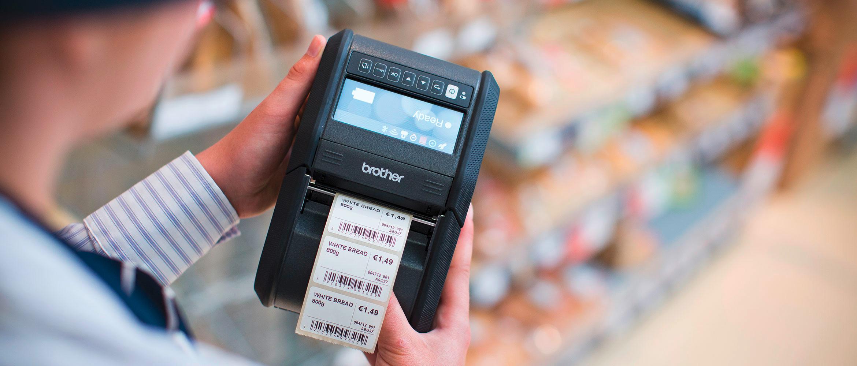 Mobiler Drucker druckt Preisschild