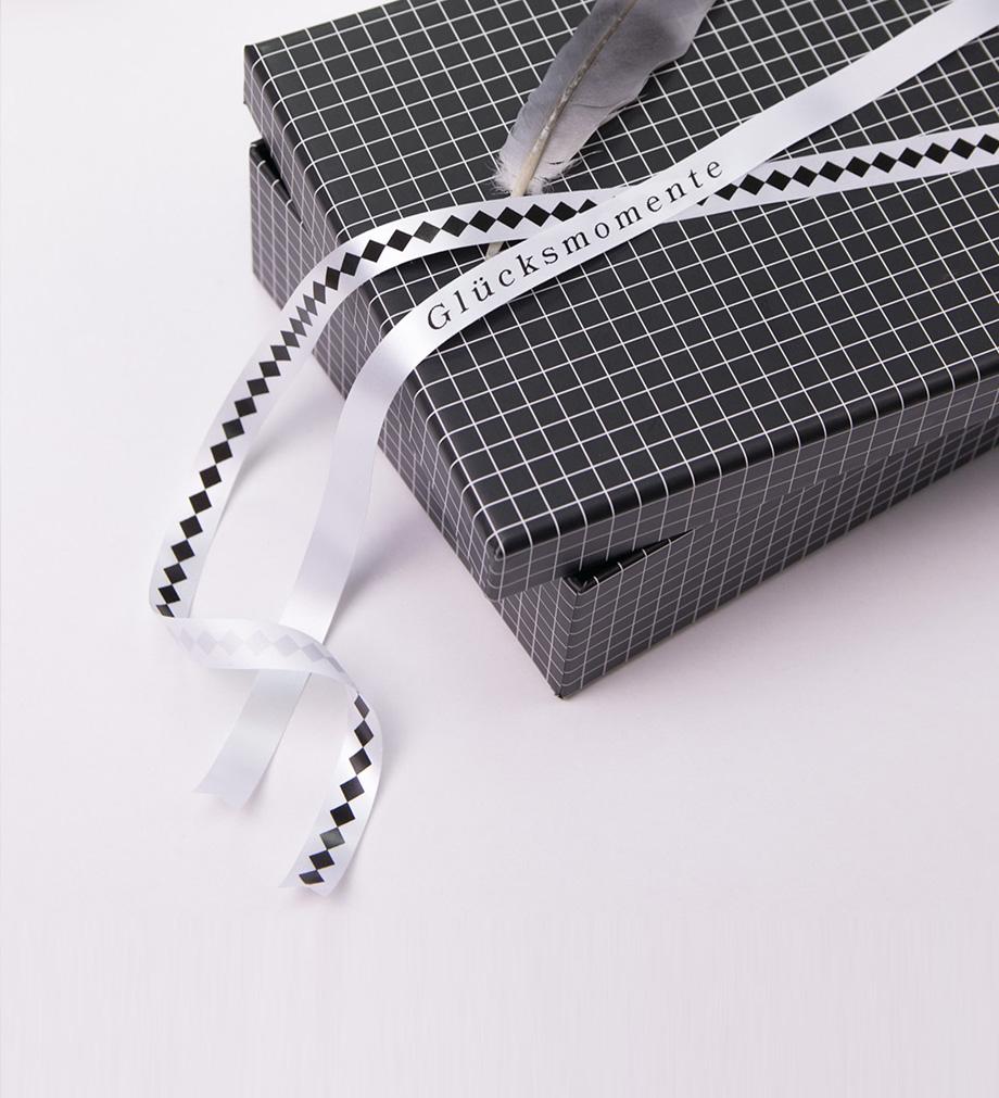 info-tile-lifestyle-beschriften-diy-karton-gluecksmomente