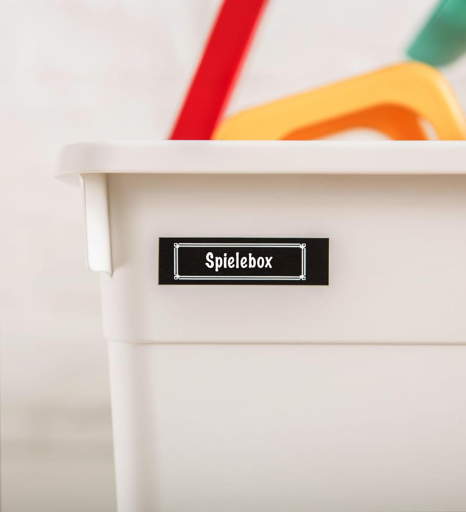info-tile-lifestyle-beschriften-home-spielsachenbox