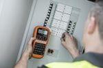 Industrielles Beschriftungsgerät PT-E110 im Einsatz