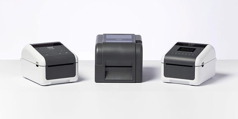 Verschiedene Brother TD-Desktopdrucker, nebeneinander stehend