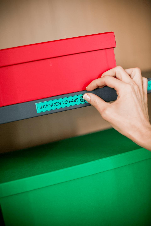 Brother TZe-741 Schriftband – schwarz auf grün