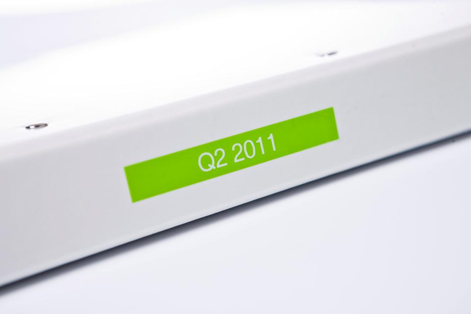 Brother TZe-MQG35 Schriftband – weiß auf apfelgrün (matt)