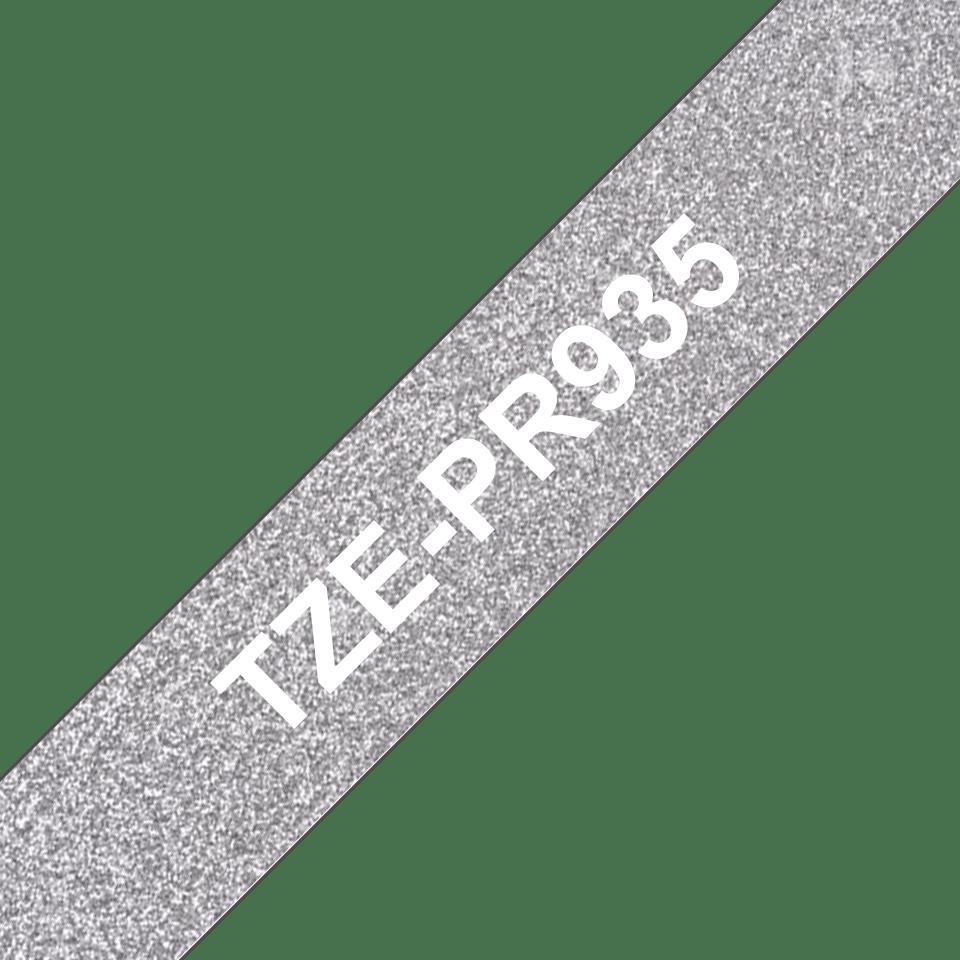 Brother TZe-PR935 Schriftband – weiß auf glitzersilber 3